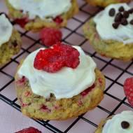 Miękkie ciasteczka z malinami