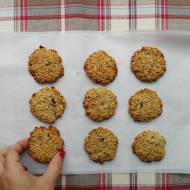 Owsiane ciasteczka z sezamem i suszoną śliwką - bez mąki!