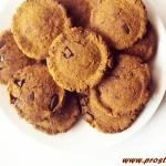 Kruche ciastka  z kawałkami czekolady i z melasą z morwy ( bez glutenu, jajek i masła )