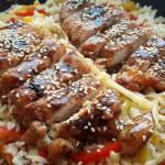 Kurczak w sosie teriyaki z ryżem i warzywami