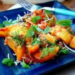 Schab w pomidorach z młodymi ziemniaczkami , w ziołach / Mini pizze na cieście francuskim