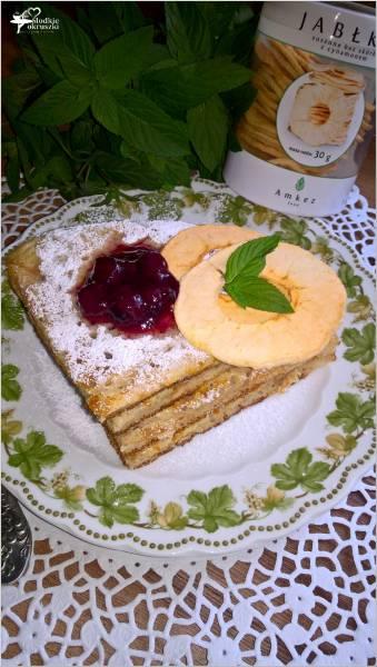 Cynamonowy omlet z jabłuszkiem