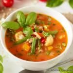 Zupa jarzynowa z pomidorami i pęczakiem