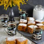 Ciasto dyniowo-marchewkowe z żurawiną, rodzynkami i migdałami
