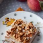 Piankowe ciasto na białkach z jabłkami i budyniem (bez cukru, bez glutenu)