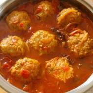 Pulpety w sosie pomidorowo-śliwkowym. Kufteh.