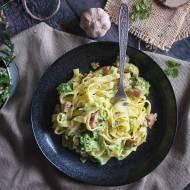 Makron z boczkiem i brokułami w sosie serowym / Cheesy bacon and broccoli pasta