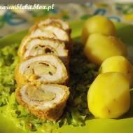 Roladki z kurczaka z serem i szynką na potrawce z cukinii