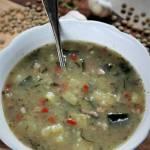 Zupa żurkowa z cukinią i soczewicą