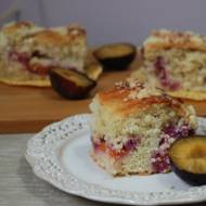 Słodkie środy - Ciasto drożdżowe ze śliwkami
