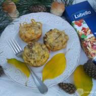 Makaronowe muffinki z grzybami.