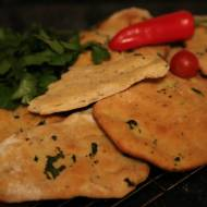 Pikantny chlebek naan