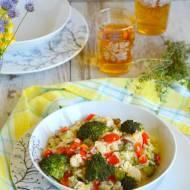 Risotto z kurczakiem, warzywami i grzybami leśnymi