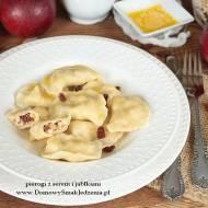 domowe pierogi z serem i jabłkami
