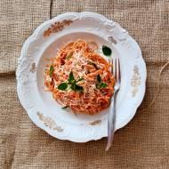 Najprostsze spaghetti w sosie pomidorowym