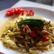 Indyk w sosie w zielonym sosie curry