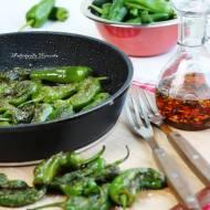 Smażone w oliwie papryczki pimientos de padrón
