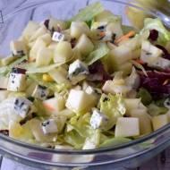 Sałatka z gruszką i serem Lazur