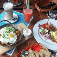 Śniadanie w
