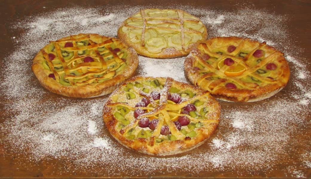 Ciasta drożdżowe z owocami