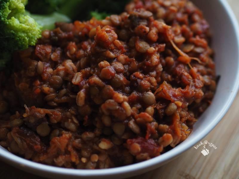 Dal, soczewica z dynią i suszonymi pomidorami
