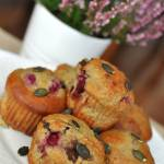 Muffiny z mąką dyniową, czekoladą i wiśniami