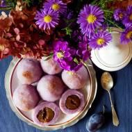 Bezglutenowe knedle z fioletowych ziemniaków ze śliwkami i cynamonem