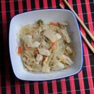 Kurczak po chińsku z makaronem z grochu
