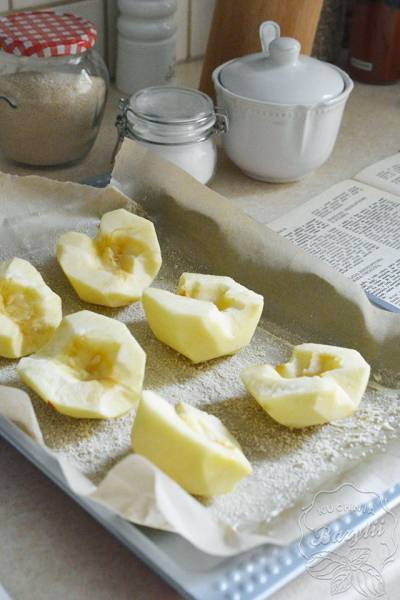 Przepis Na Jabłka Pieczone W Biszkopcie Kuchnia Bazylii