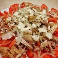 Salatka z gotowanym kurczakiem