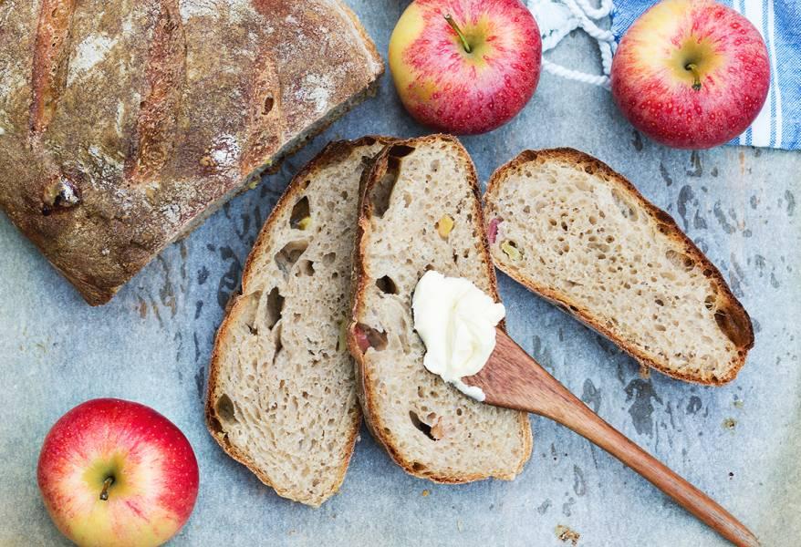 Jabłkowy chleb z cydrem na zakwasie