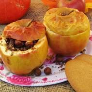 Jabłka pieczone z orzechami laskowymi i miodem