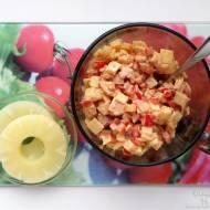 Szybka sałatka a la hawajska – przepis krok po kroku