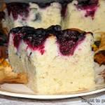 Mało słodkie ciasto jogurtowe z kubeczka