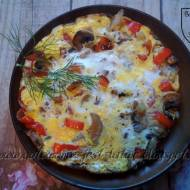 Omlet z pieczarkami i papryką