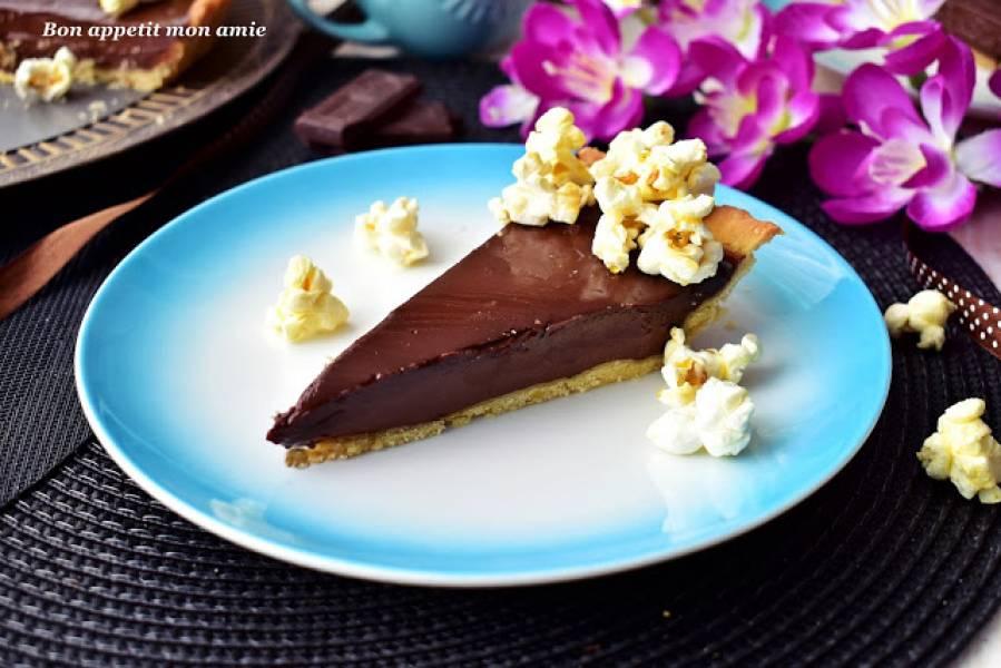 Tarta czekoladowa z popcornem