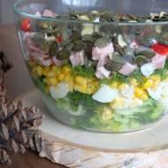 Imprezowa sałatka z brokułem i szynką