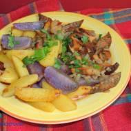 Rydze smażone z kolorowymi ziemniakami - ciepła sałatka na obiad