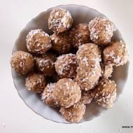 Pralinki daktylowo-kokosowe bez cukru, glutenu i laktozy