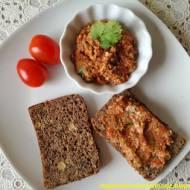 Pasta z suszonych pomidorów i nasion