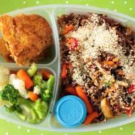 Prosty i szybki orientalny makaron soba z warzywami i indykiem