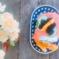 Tort kanapkowy z tuńczykiem i sardynkami
