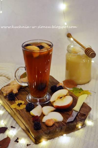 Rozgrzewająca herbata na listopadową słotę
