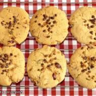 Amerykańskie ciasteczka czekoladowo-orzechowe