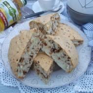 Ciasto z białek z czekoladą.