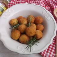 Smażone kulki z ziemniaków.