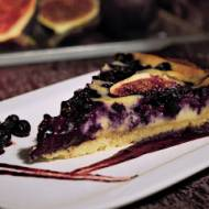 Tarta z jagodami i figami