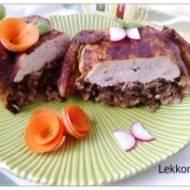 Kurczak faszerowany pieczarkami i szynką konserwową