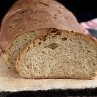 Aromatyczny chleb z podsmażaną cebulką