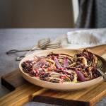 Pieczona sałata radicchio z granatem i balsamico